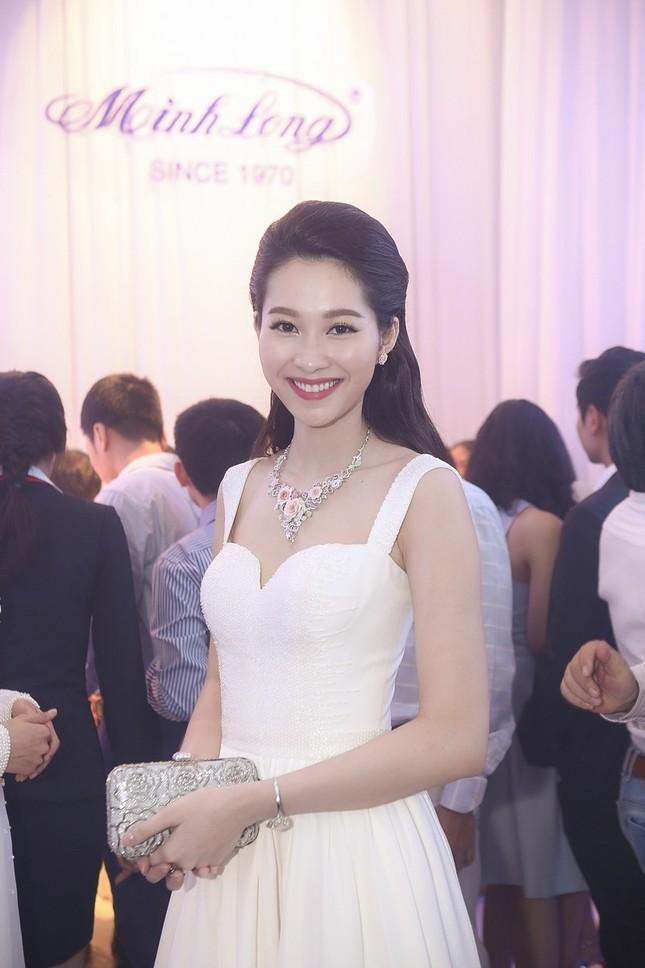 """Hoa hậu Thu Thảo trở thành """"cô dâu đáng mơ ước nhất"""" ảnh 12"""