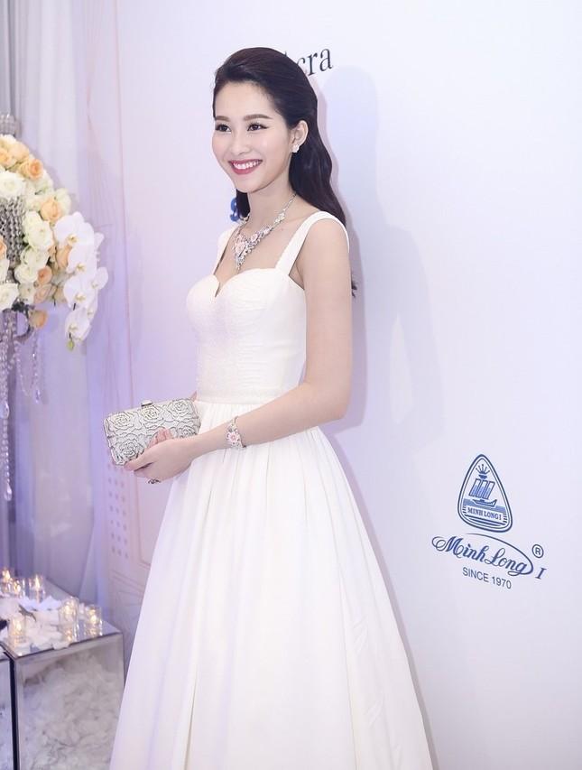 """Hoa hậu Thu Thảo trở thành """"cô dâu đáng mơ ước nhất"""" ảnh 2"""