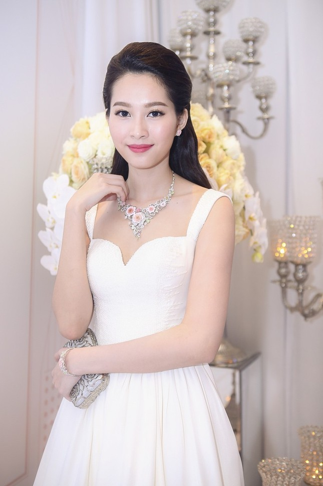 """Hoa hậu Thu Thảo trở thành """"cô dâu đáng mơ ước nhất"""" ảnh 5"""