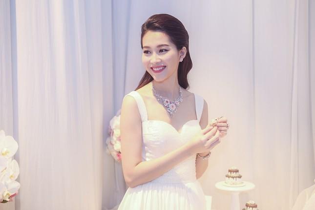 """Hoa hậu Thu Thảo trở thành """"cô dâu đáng mơ ước nhất"""" ảnh 6"""