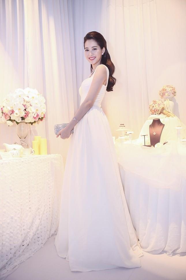 """Hoa hậu Thu Thảo trở thành """"cô dâu đáng mơ ước nhất"""" ảnh 7"""