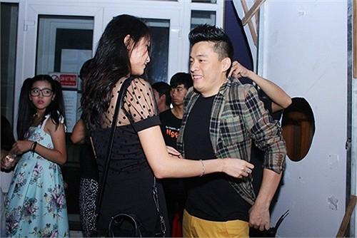 Lam Trường khoe vợ sắp cưới xinh như hot girl, kém gần 20 tuổi ảnh 2