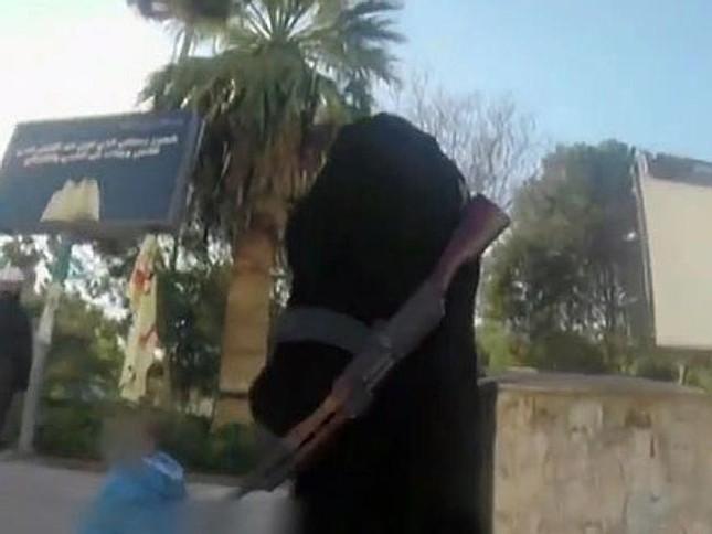 """Tiết lộ cuộc sống tại """"hang ổ"""" của phiến quân IS ảnh 2"""
