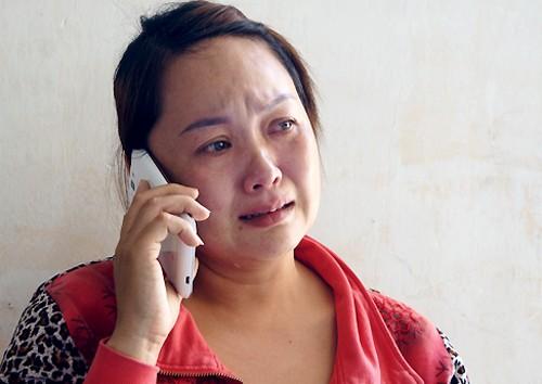 Vợ khóc ngất khi thấy xác chồng cháy đen trong tiệm cắt tóc ảnh 1