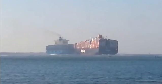 Khoảnh khắc hai tàu container khổng lồ đâm nhau ảnh 3