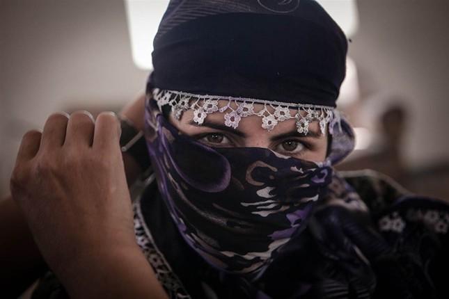 Đời thường của các nữ chiến binh chống IS ảnh 7