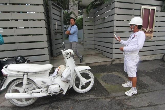 Cuộc sống đầy màu trắng của 'Bạch công tử Sài Gòn' ảnh 1