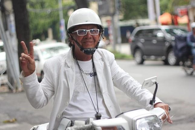 Cuộc sống đầy màu trắng của 'Bạch công tử Sài Gòn' ảnh 3