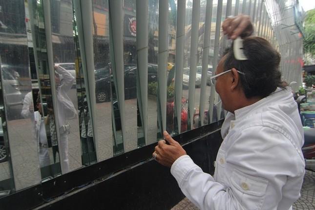 Cuộc sống đầy màu trắng của 'Bạch công tử Sài Gòn' ảnh 6