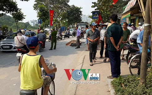 Ô tô phục vụ đám tang tông chết người trên đường Kim Giang ảnh 1