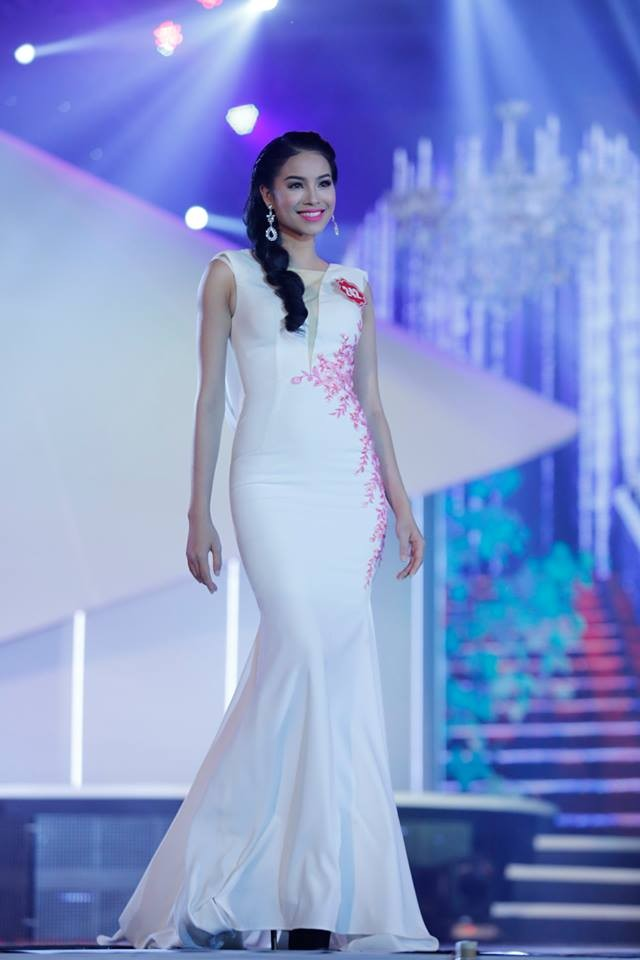 Thí sinh Hoa hậu phía Nam lộng lẫy trong trang phục dạ hội ảnh 7