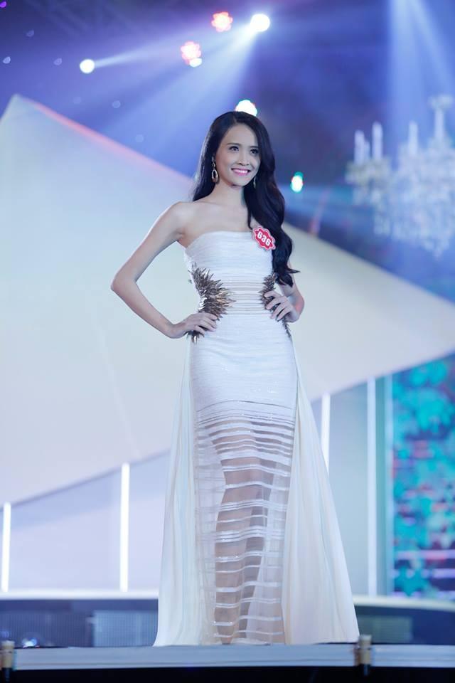 Thí sinh Hoa hậu phía Nam lộng lẫy trong trang phục dạ hội ảnh 9