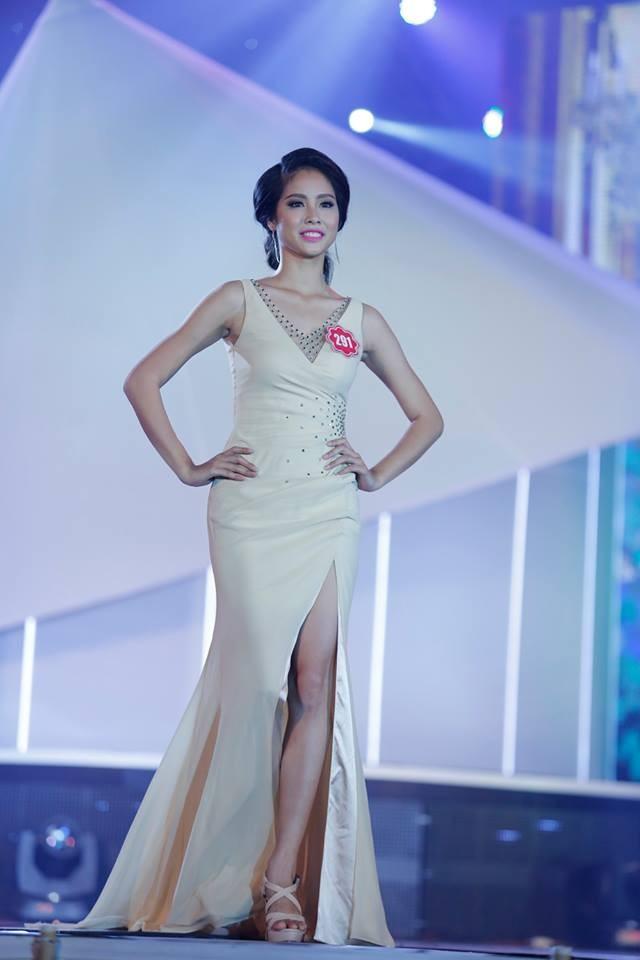 Thí sinh Hoa hậu phía Nam lộng lẫy trong trang phục dạ hội ảnh 1