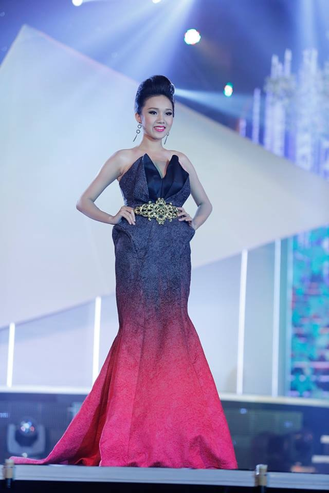 Thí sinh Hoa hậu phía Nam lộng lẫy trong trang phục dạ hội ảnh 3