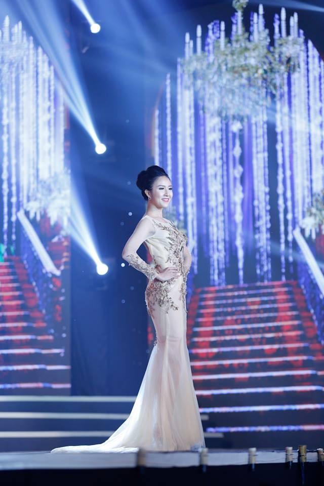 Thí sinh Hoa hậu phía Nam lộng lẫy trong trang phục dạ hội ảnh 4