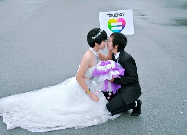 Đám cưới đồng tính nữ đầu tiên tại Thanh Hóa gây xôn xao ảnh 1