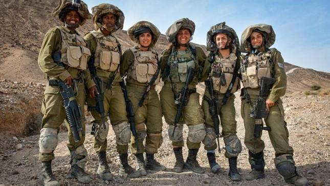 Nữ binh sĩ Israel và vẻ đẹp của bóng hồng trong lửa đạn ảnh 1