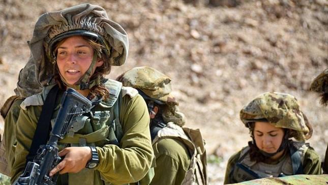 Nữ binh sĩ Israel và vẻ đẹp của bóng hồng trong lửa đạn ảnh 3