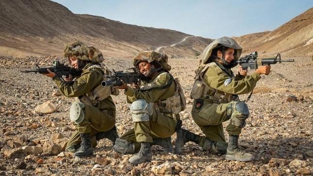 Nữ binh sĩ Israel và vẻ đẹp của bóng hồng trong lửa đạn ảnh 4