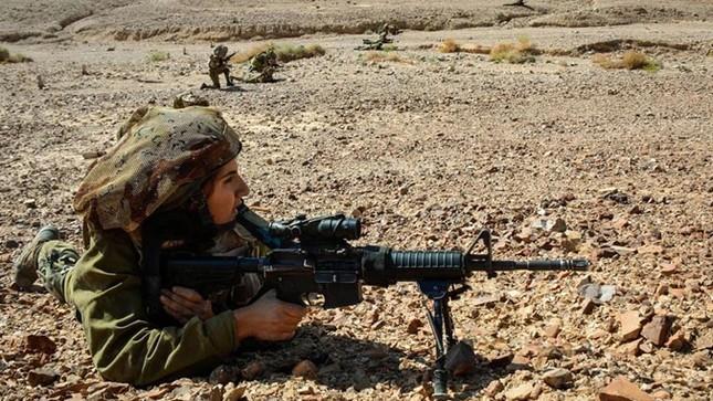 Nữ binh sĩ Israel và vẻ đẹp của bóng hồng trong lửa đạn ảnh 6