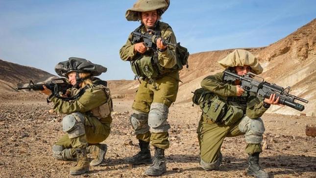 Nữ binh sĩ Israel và vẻ đẹp của bóng hồng trong lửa đạn ảnh 8