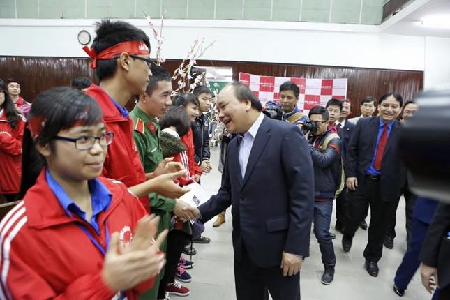 Phó Thủ tướng Nguyễn Xuân Phúc đồng hành cùng Chủ nhật Đỏ ảnh 9