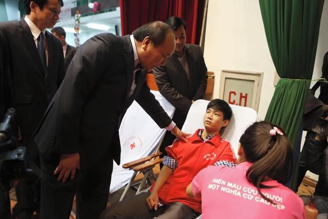 Phó Thủ tướng Nguyễn Xuân Phúc đồng hành cùng Chủ nhật Đỏ ảnh 10