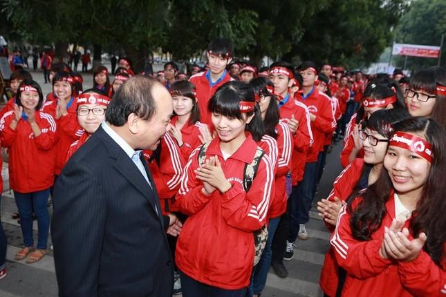Phó Thủ tướng Nguyễn Xuân Phúc đồng hành cùng Chủ nhật Đỏ ảnh 2