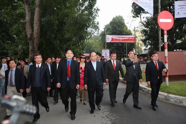 Phó Thủ tướng Nguyễn Xuân Phúc đồng hành cùng Chủ nhật Đỏ ảnh 4