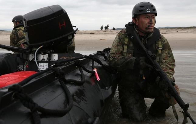 Mục kích lính Mỹ - Nhật Bản tập trận Iron Fist 2015 ảnh 11
