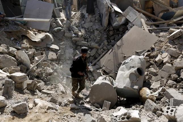 Yemen hoang tàn sau những cuộc không kích phiến quân ảnh 2
