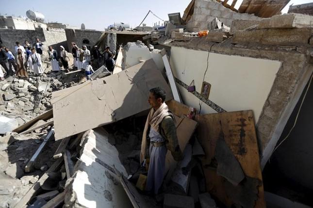 Yemen hoang tàn sau những cuộc không kích phiến quân ảnh 3