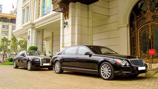 Cặp đôi 'Rolls-Royce, Maybach' hội ngộ ở Sài Gòn ảnh 1