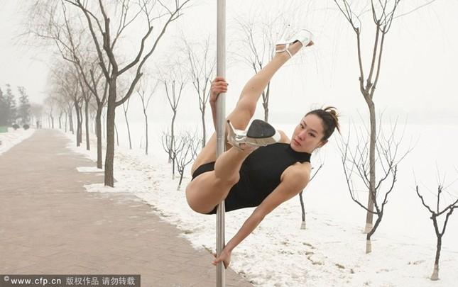 Lóa mắt với dàn mỹ nhân Trung Quốc luyện múa cột ảnh 15