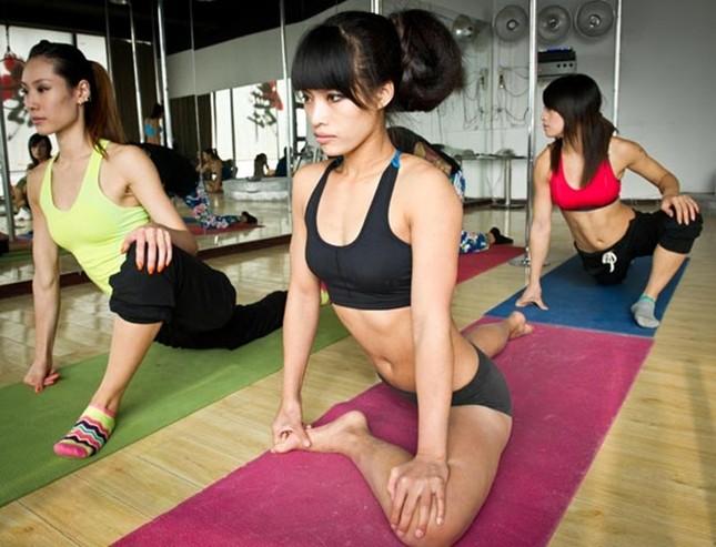 Lóa mắt với dàn mỹ nhân Trung Quốc luyện múa cột ảnh 6