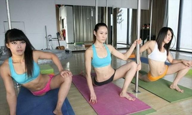 Lóa mắt với dàn mỹ nhân Trung Quốc luyện múa cột ảnh 7