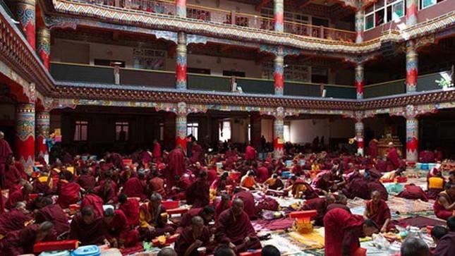 Nhìn gần học viện Phật giáo lớn nhất thế giới ảnh 11