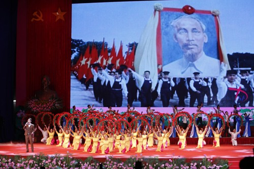 Hình ảnh Lễ kỷ niệm 125 năm Ngày sinh Chủ tịch Hồ Chí Minh ảnh 12