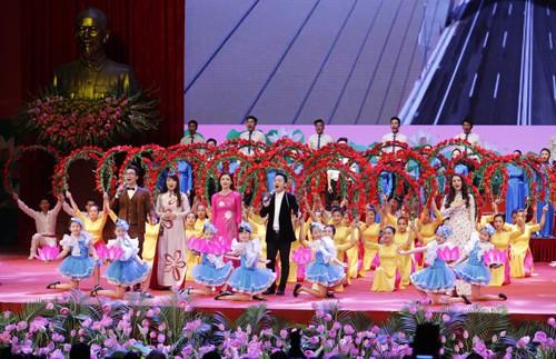 Hình ảnh Lễ kỷ niệm 125 năm Ngày sinh Chủ tịch Hồ Chí Minh ảnh 13