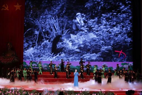 Hình ảnh Lễ kỷ niệm 125 năm Ngày sinh Chủ tịch Hồ Chí Minh ảnh 5