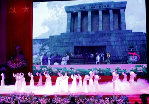 Hình ảnh Lễ kỷ niệm 125 năm Ngày sinh Chủ tịch Hồ Chí Minh ảnh 6