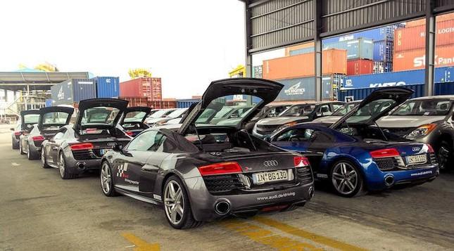 """Dàn siêu xe Audi R8 """"rầm rộ, đổ bộ"""" vào Việt Nam ảnh 1"""
