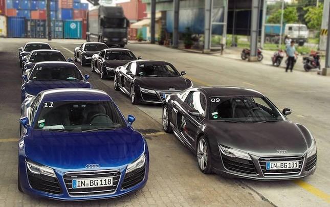 """Dàn siêu xe Audi R8 """"rầm rộ, đổ bộ"""" vào Việt Nam ảnh 2"""