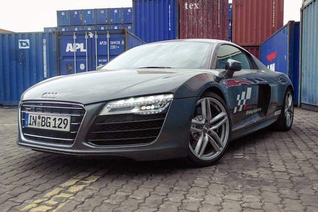 """Dàn siêu xe Audi R8 """"rầm rộ, đổ bộ"""" vào Việt Nam ảnh 4"""