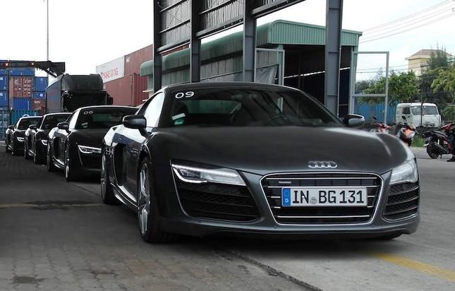 """Dàn siêu xe Audi R8 """"rầm rộ, đổ bộ"""" vào Việt Nam ảnh 5"""