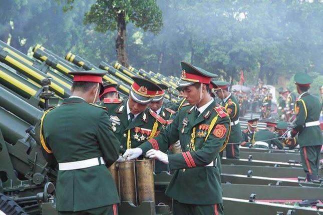 Đại bác rền vang trước lễ diễu binh ngày Quốc khánh 2/9 ảnh 3