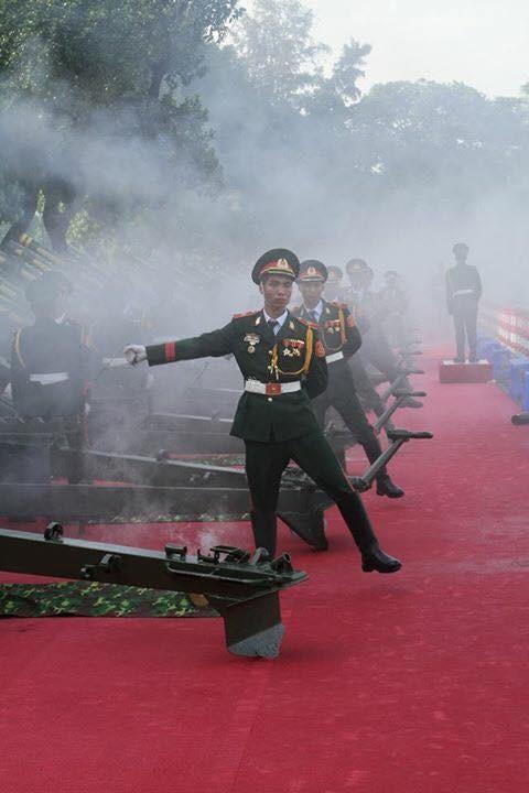 Đại bác rền vang trước lễ diễu binh ngày Quốc khánh 2/9 ảnh 5