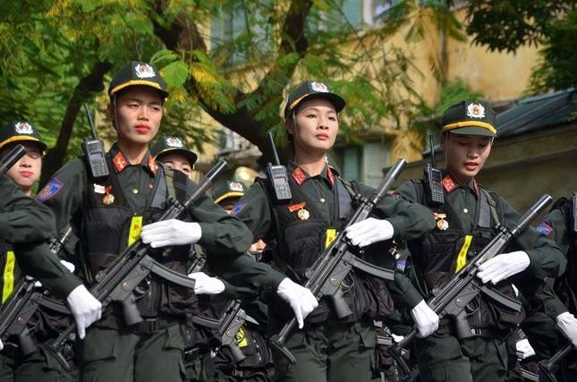 Bóng hồng trong lễ diễu binh, diễu hành kỷ niệm Quốc khánh ảnh 7