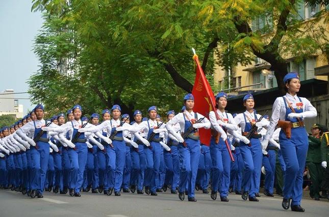 Bóng hồng trong lễ diễu binh, diễu hành kỷ niệm Quốc khánh ảnh 8