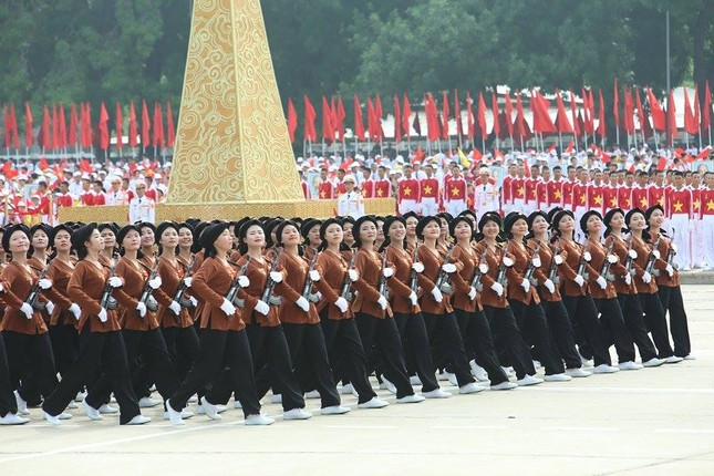 Bóng hồng trong lễ diễu binh, diễu hành kỷ niệm Quốc khánh ảnh 12